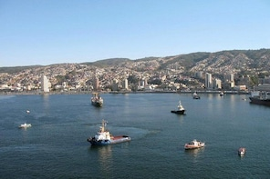 Valparaiso Like a Local: Private Walking Tour with Harbour Cruise Including...