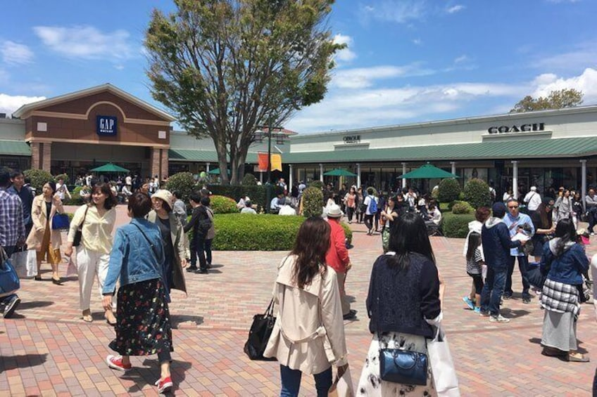 Show item 4 of 10. Private Mt Fuji and the Gotemba Outlet in One Day from Tokyo