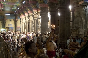 Visit Meenakshi Temple for evening ceremony