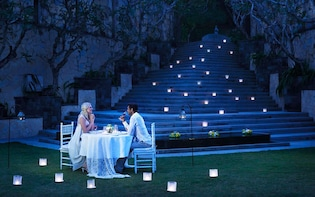 Luxury Romantic Candlelight Dinner in the Sparkling Valley