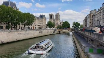 4-Day Paris Break from Eastbourne including Disneyland Paris