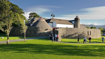 Ireland's National Folk Theatre-Premier Cultural Experience