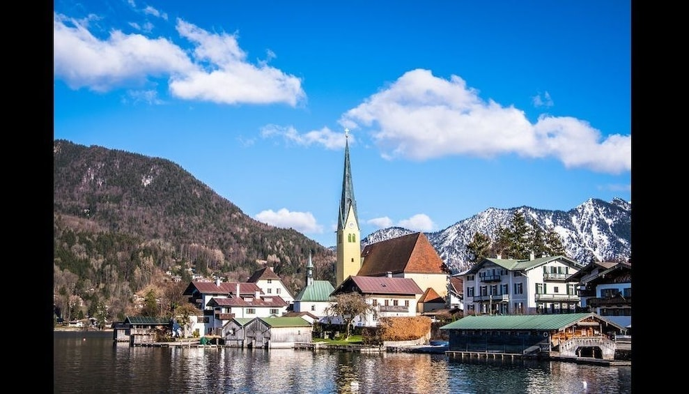 Tour to Lake Tegernsee w/ boat cruise (8h, chauffeur, guide)