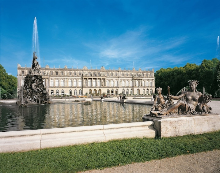 Day Tour to New Palace Herrenchiemsee (6h, chauffeur, guide)