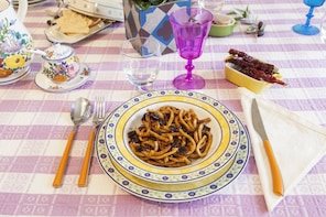 Dining experience at a Cesarina's home in Chieti
