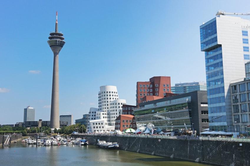 Panoramic Düsseldorf Tour (3h, max 5 ppl, chauffeur, guide)
