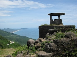Pick up from Hoi an to Hue by private car with driver