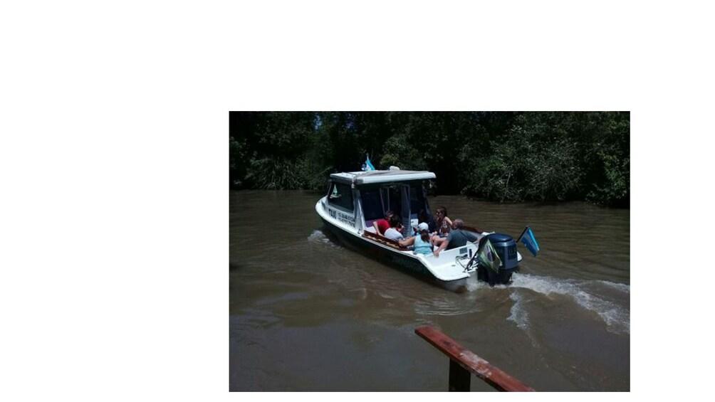 Art Tour Tigre by yacht!