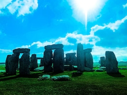 The Search for King Arthur: Tour of Glastonbury & Stonehenge