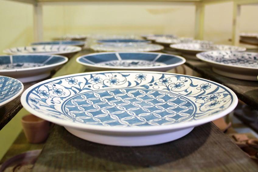 Pottery Painting at Kobei-Gama in Tajimi, Gifu Prefecture