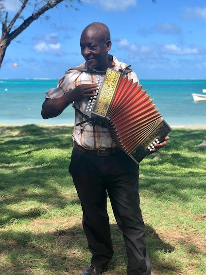 Show item 1 of 5. Rodrigues island - UNIVERS guided-tour