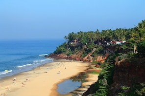 Varkala Cliffs Beach Tour from Trivandrum