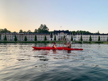 Eco-friendly: Guided Sunset Kayaking in Stockholm-City / 4h