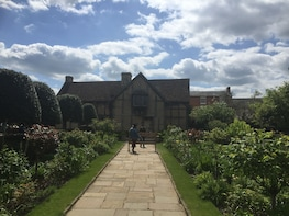 Private Tour to Stratford-Upon-Avon & Warwick Castle