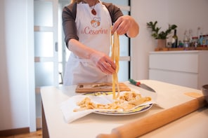 Pasta-making class at a Cesarina's home with tasting Arezzo