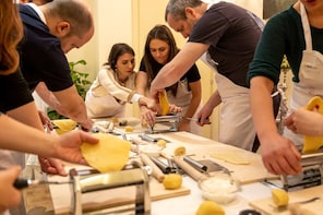 Private cooking class at a Cesarina's home in Pienza