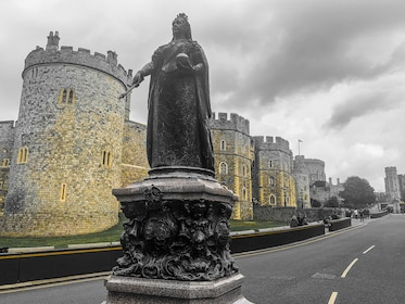 Private Day Tour to Bath and Windsor Castle