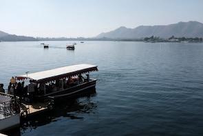 Boat Ride In Fateh Sagar Lake, Udaipur