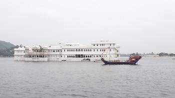 Boat Ride In Pichola Lake, Udaipur