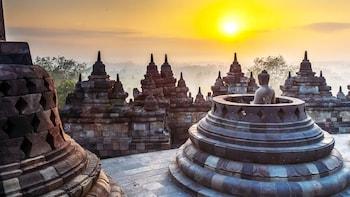 Yogyakarta Join Tour: Borobudur Sunrise and Prambanan Temple