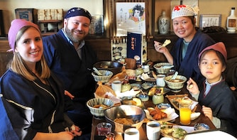 Make Udon Noodles & Tempura with Walking Tour in Hino, Tokyo