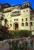 Neemrana Historic Fort day tour from Delhi