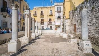 Archaeological tour of Bari: Old City hidden treasures