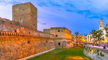 Tour of the fortifications of Bari: the Old City defenses