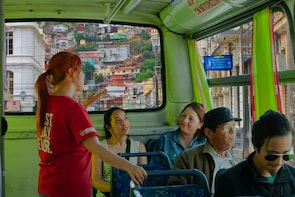 Valparaiso: Street Art, Mural Workshop and Sightseeing Tour