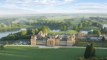 Full Day Tour Blenheim Palace and The Cotswolds from Oxford