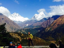 Namche Bazaar Trek - Spectacular view of Mt. Everest (8848m)