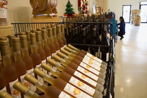 Niagara Winery Tour + Outlet Mall Shopping