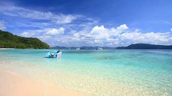 Coral Island Half Day Tour By Speedboat From Phuket