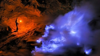 Midnight Open Trip Ijen Crater Tour Start from Banyuwangi