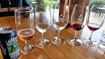 Exclusive Small Group Hobart Winery Tour