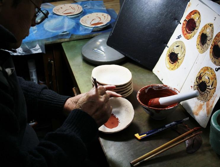 Mino Ware Pottery Painting & Tea in Tajimi, Gifu Prefecture