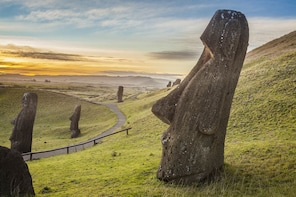 Private Tour: Full-Day Easter Island Archaeological sites