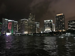 Night Skyline Three Hour Private Boat Tour For Up To Six