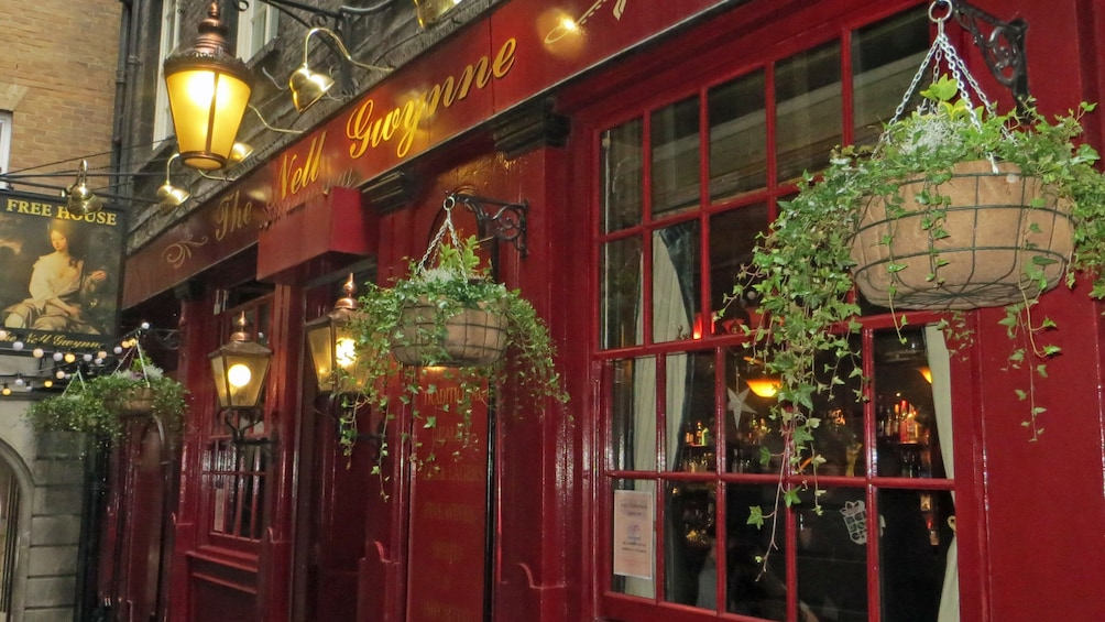 Show item 2 of 10. London Pub Walking Tour of Covent Garden