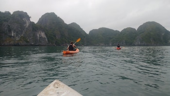 HaLong Bay, Surprising Cave & Titop Island 1 Day From Ha Noi