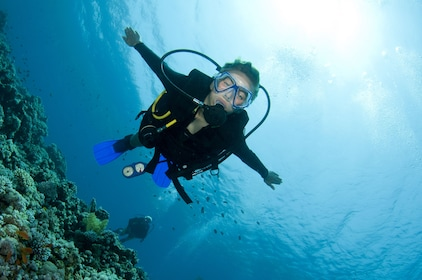 Try Scuba Diving on Phi Phi for first time Divers