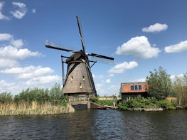 Private Giethoorn & Windmills day tour