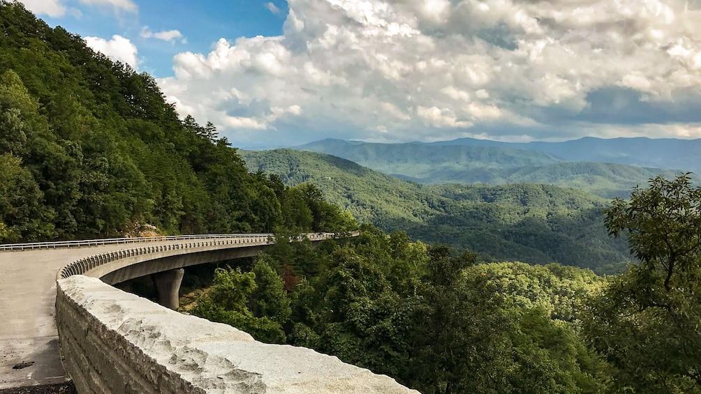 Valleys & Views Smoky Mountains Tour