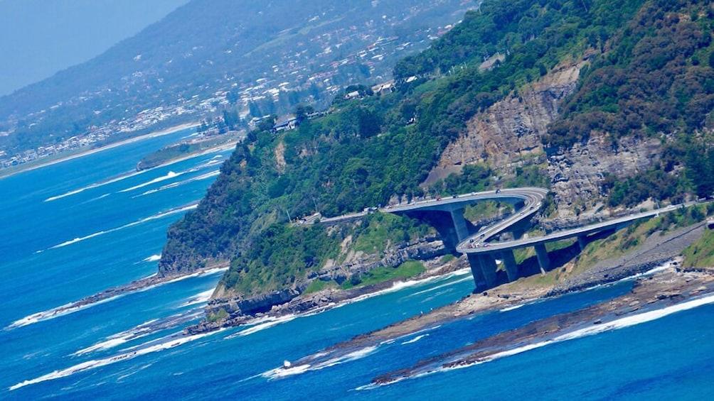 Grand Pacific Drive & Kiama Blowhole Tour (Guide+Transport)
