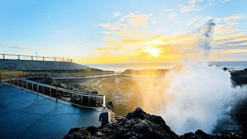 Grand Pacific Drive & Kiama Blowhole Tour (Guide+Transport)