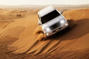 Desert Safari with Dinner - Deluxe Package with Transfers.