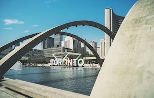 Discover Toronto with a Private Walking Tour by a Local