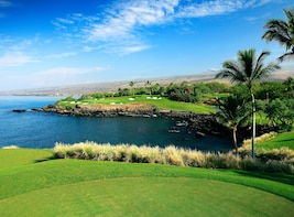 Golf at Mauna Kea Golf Course