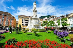 "Guided Walking Tour ""The historical City Centre of Bolzano"""