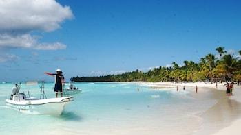 Saona Island Private Tour with 3 Beaches & Natural Pool